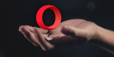 Opera hand